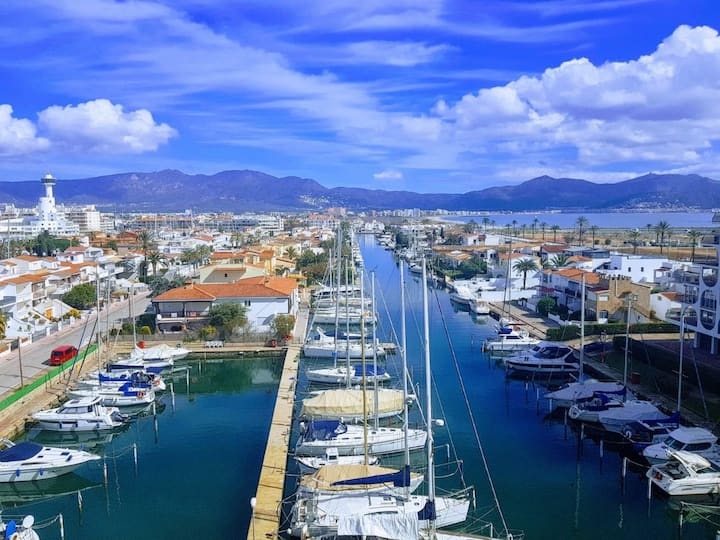 Acogedores apartamentos en la costa mediterránea
