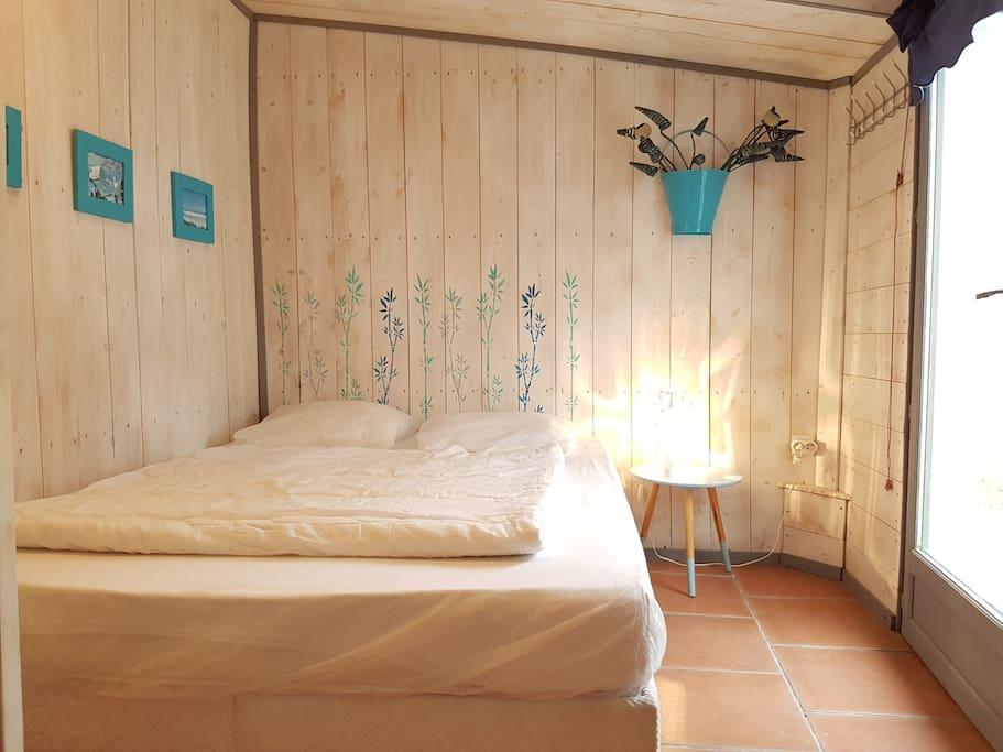 Chambre 1: lit 140