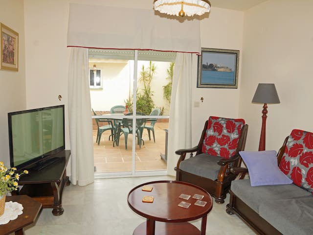 [757] Fabulous semi-detached 4 bedroom house located at Valdelagrana