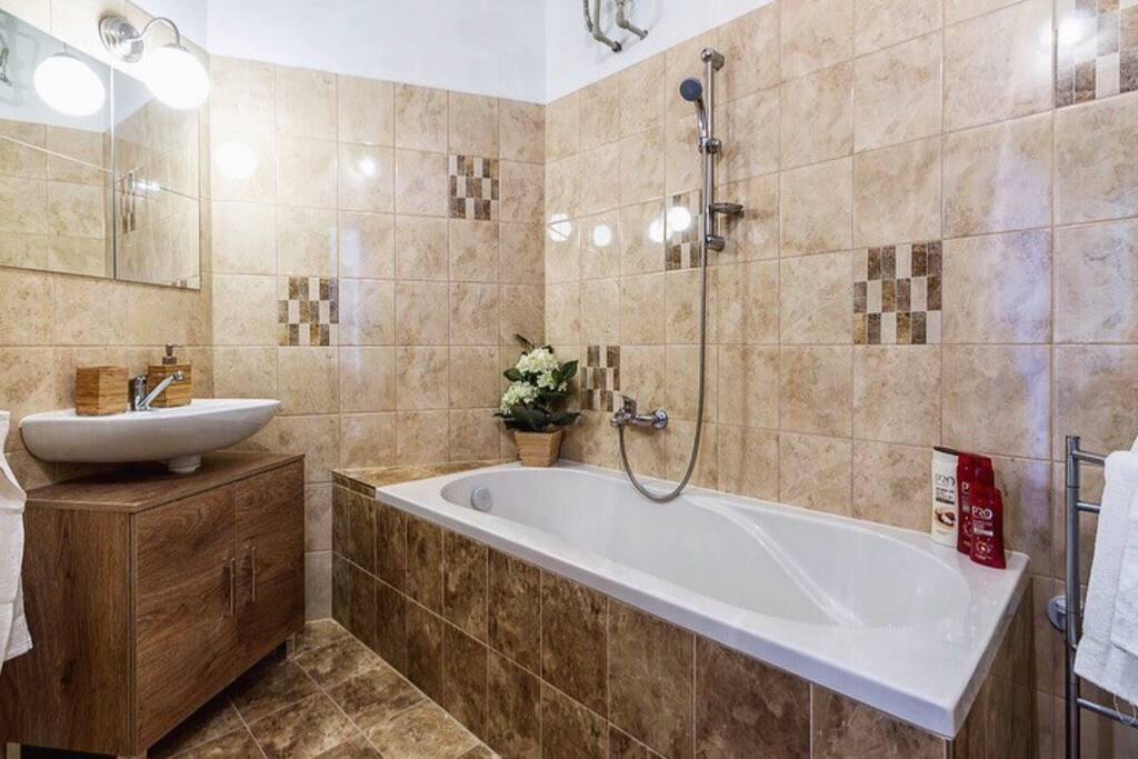 Bathroom with bathtub:-)