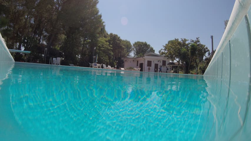Luxury villa with pool for 12 people - Oria