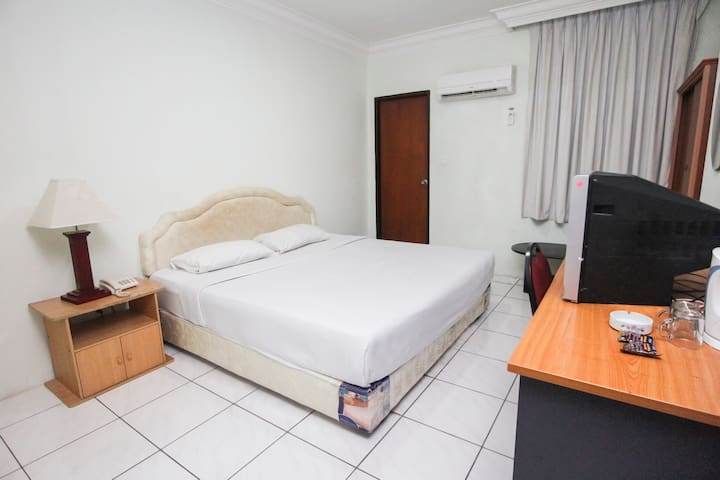 Chonglin Plaza - Double Room for 2 Adults