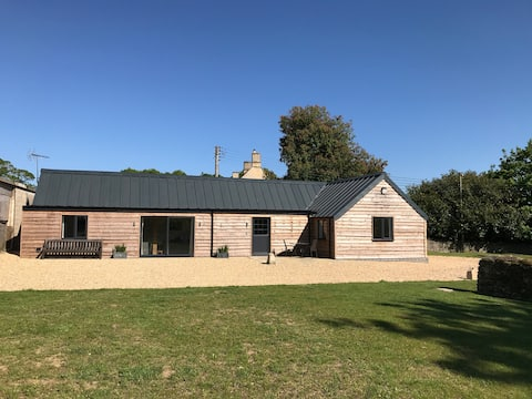 Stylish Barn Conversion - The Bull Pen