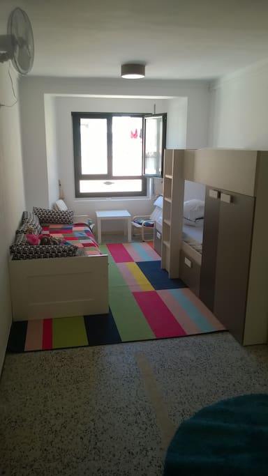 maison 4 tages terrasse vue mer centrale neuve maisons louer l 39 escala catalunya espagne. Black Bedroom Furniture Sets. Home Design Ideas