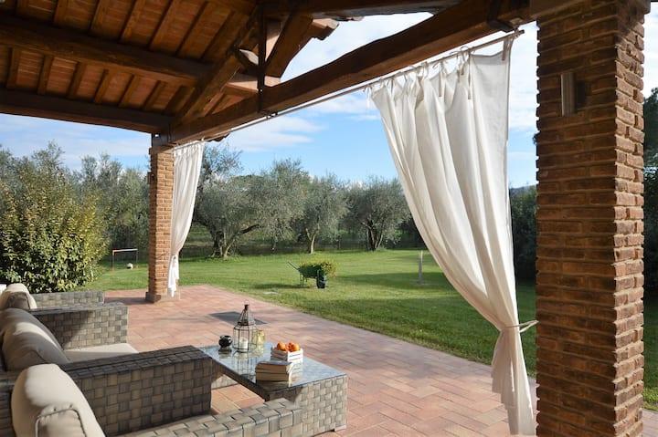 Wonderful villa 5 kms from the coast