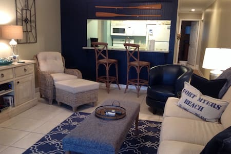 Beautiful Condo Great view Unit 228 - Fort Myers Beach