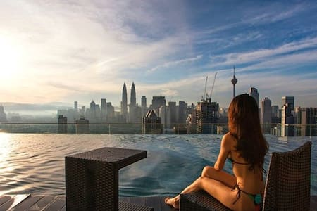 Rooftop Infinity Pool,Near KLCC - Apartment