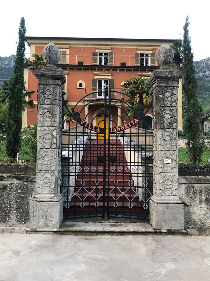Venez vivre l'authenticité italienne ...