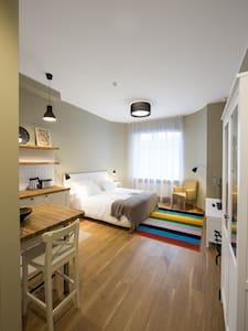 Studio LuxApartment - Apartemen