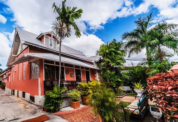 Convenient Location, Nice Home in the Heart of POS
