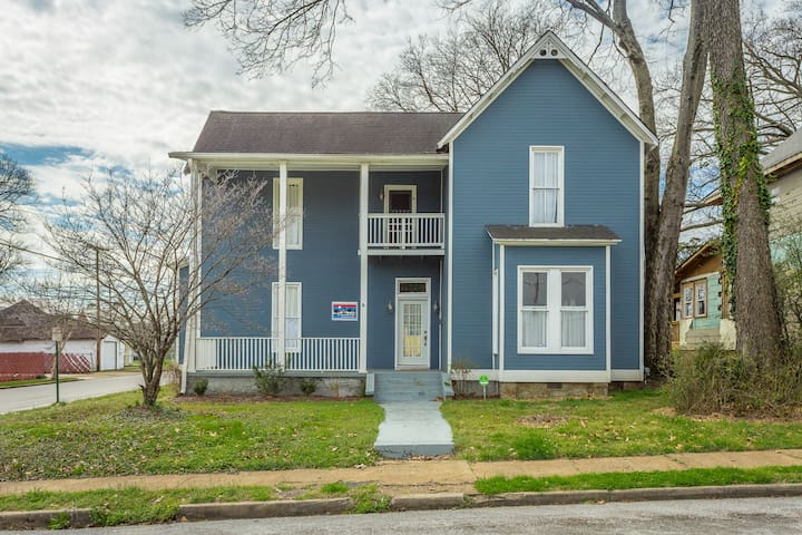 Highland Park~4BR/2BA~Updated Large Family Home
