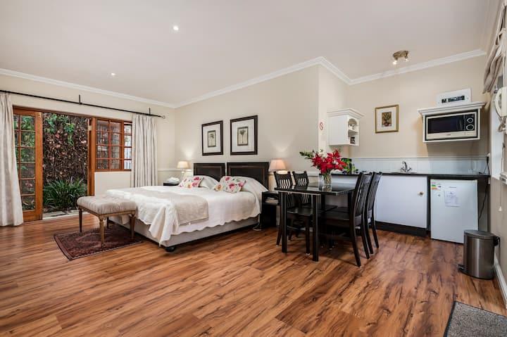 Luxury Family Suite  5