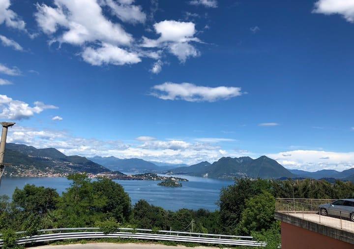 Artelago-Rose Art Studio full lake view