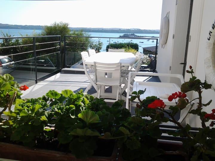 Belle maison face à la mer entre Paimpol et Bréhat