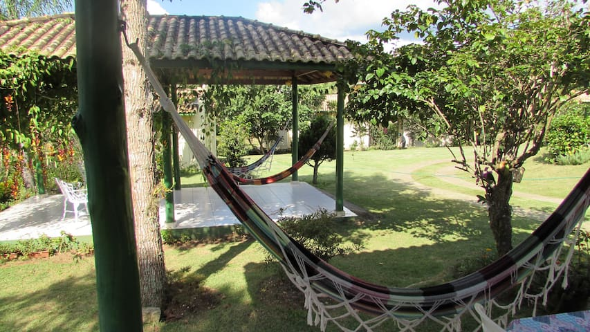 Apartamento simples e aconchegante - São Luís do Paraitinga - Pousada