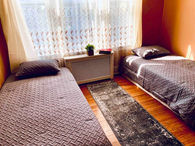 5-Private nice brm for 2 person 20mns to Manhattan