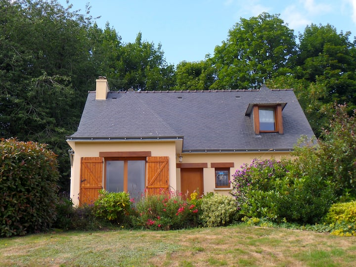 Rustic holiday home in central Brittany