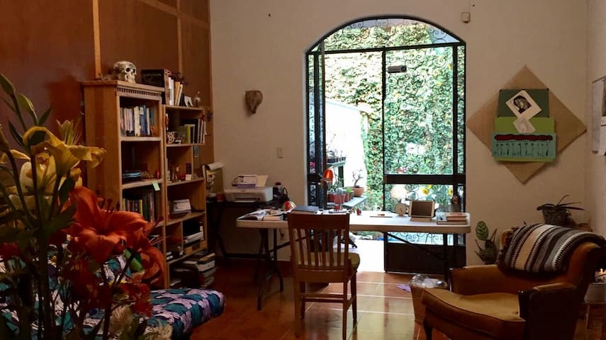 Charming room with private bathroom - Mexico City - Hus