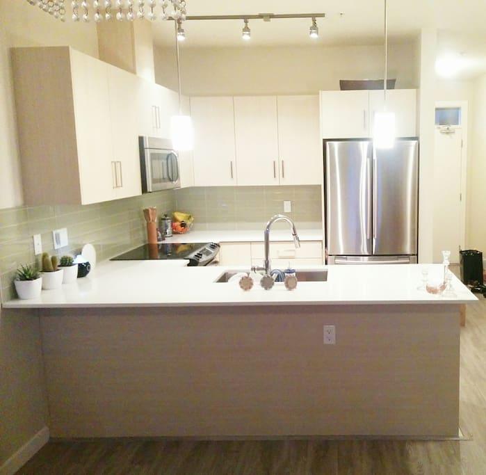 (common area) kitchen