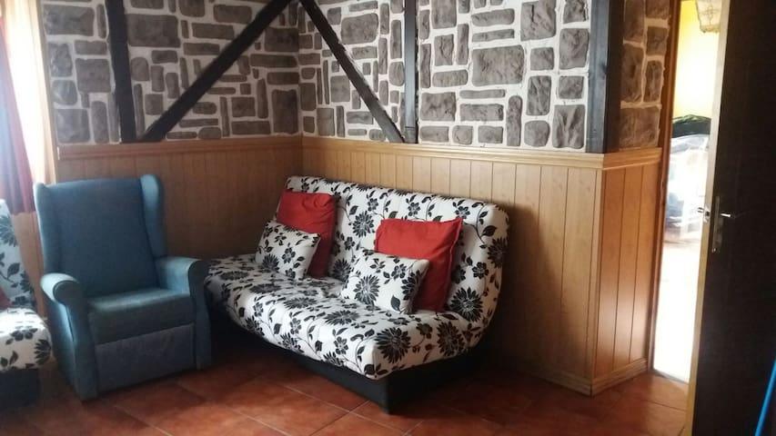 Casa de piedra con chimenea  - Viloria