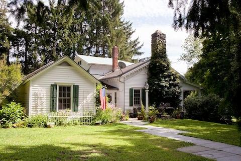 Cozy farmhouse near Chatham, Hudson, Berkshires