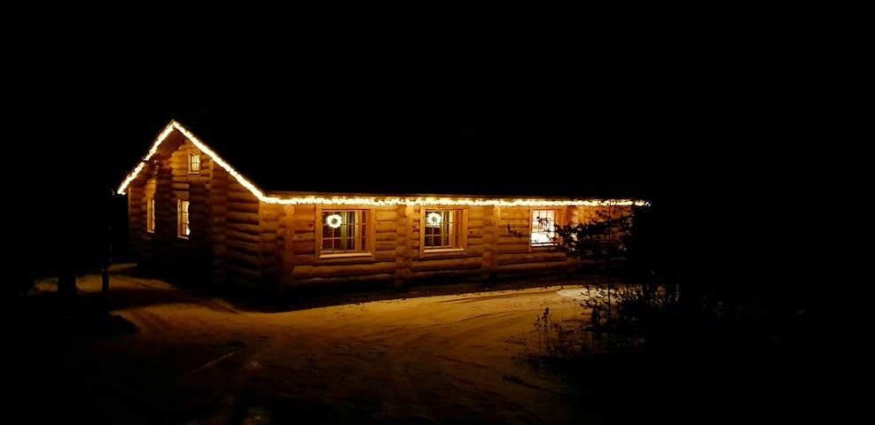 Aurora Ounas cottage 1 by river