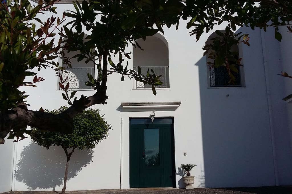 The front door of the ground floor apartment - Melograno