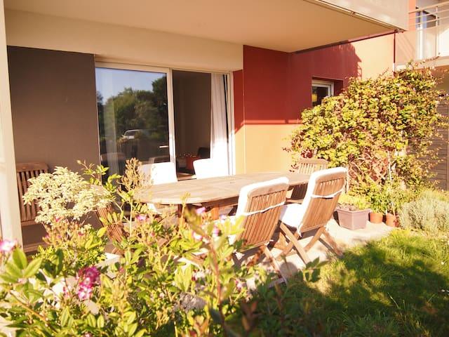 Appartement lumineux avec jardin !