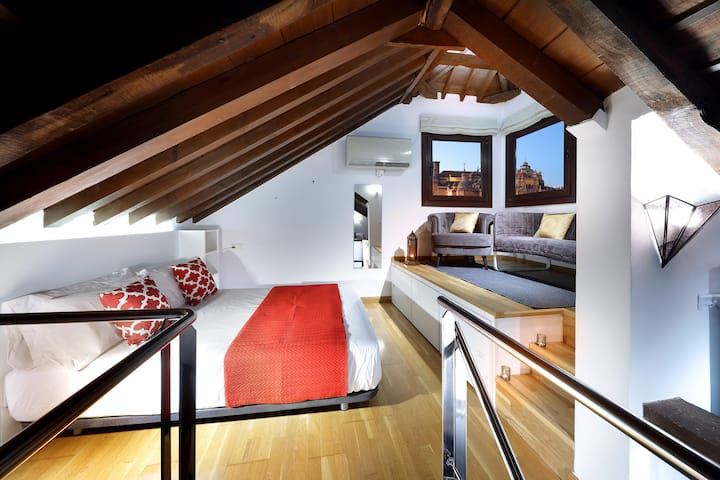 PANORAMA PENTHOUSE. Sunny loft with stunning views