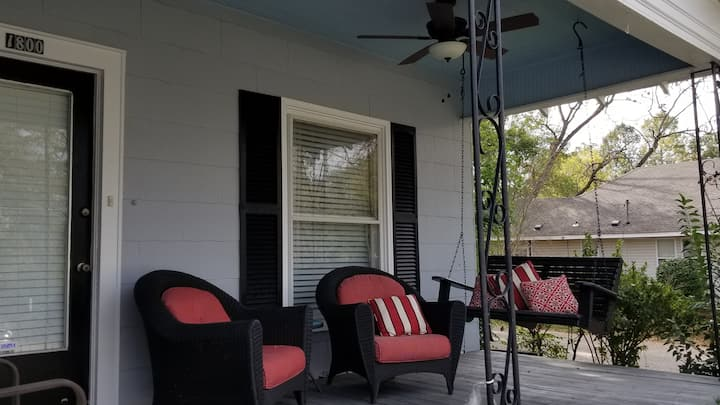 Spacious Suite in Oak Park