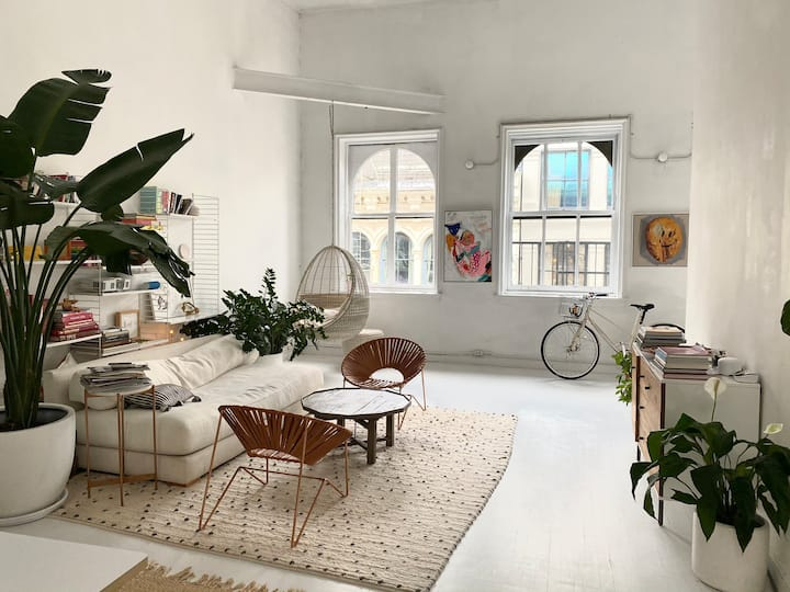 Sunny Tribeca penthouse loft ideal for home office