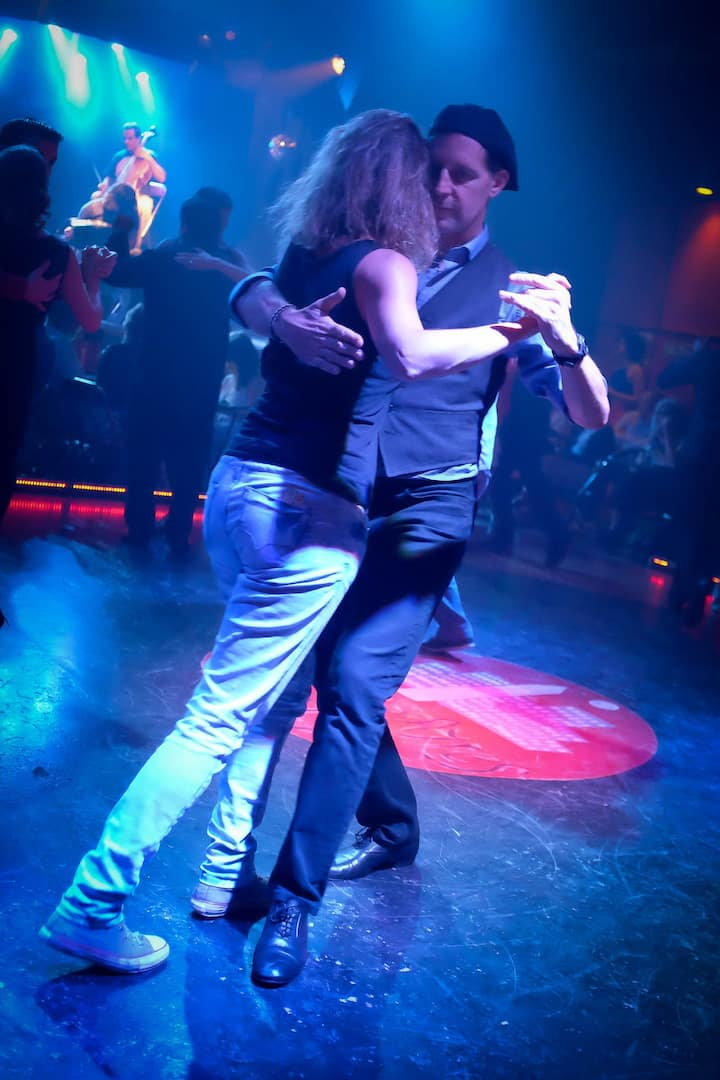 Live the milonga scene like a local