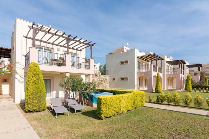 Hera 32, Apollonium SPA and Beach Resort