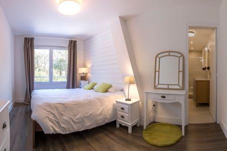 BREVOCEAN 1 quiet room+bathroom close to the Ocean - Saint-Brevin-les-Pins - 度假屋