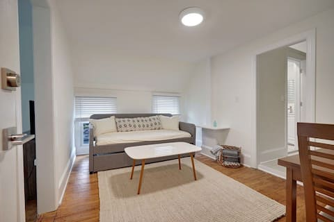 The Melrose- 3C, Private Bed & Bath