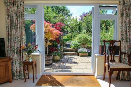 London Road Garden Annex - Chippenham - Apartament