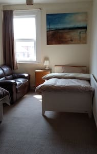 Room 2 in Shared Flat - Ideal for Contractors - Johnstown - Wohnung
