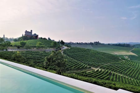 Villa Marenca, scenic views of Barolo