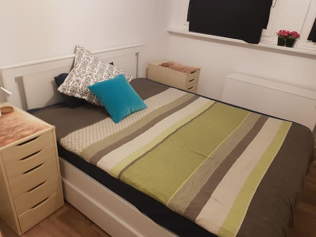 Room for a woman, 10 min. from the central station