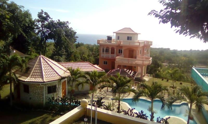 Sun Ups Villa