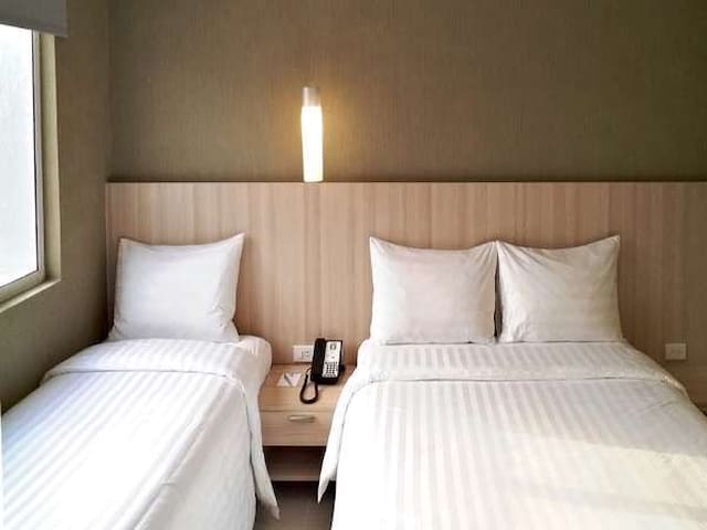Luxury stay room beside Mall of Asia