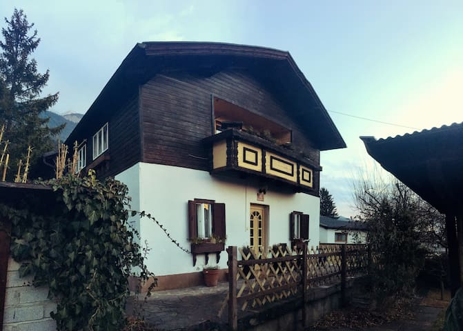 cosy house with great garden in quiet neighborhood - Innsbruck - House