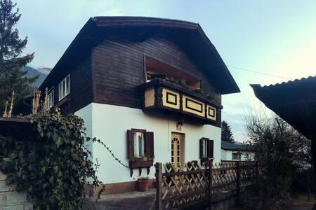 Häuschen mit schönem Garten in ruhiger Lage - Innsbruck