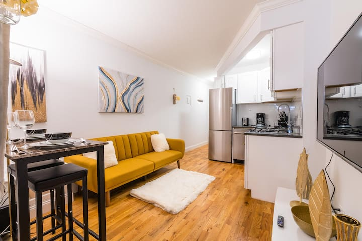 ★Luxury 2BR Apt★ In Times Square for families