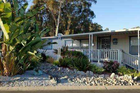 Beautiful home 1 Blk from Beach & Golf - Grover Beach