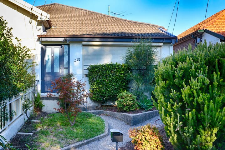 3 Beds + Office Home in the Heart of Kingsford