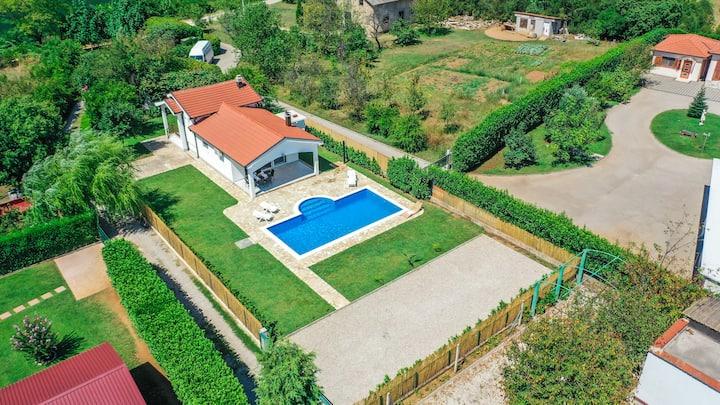 Villa Mirna oaza of greenery