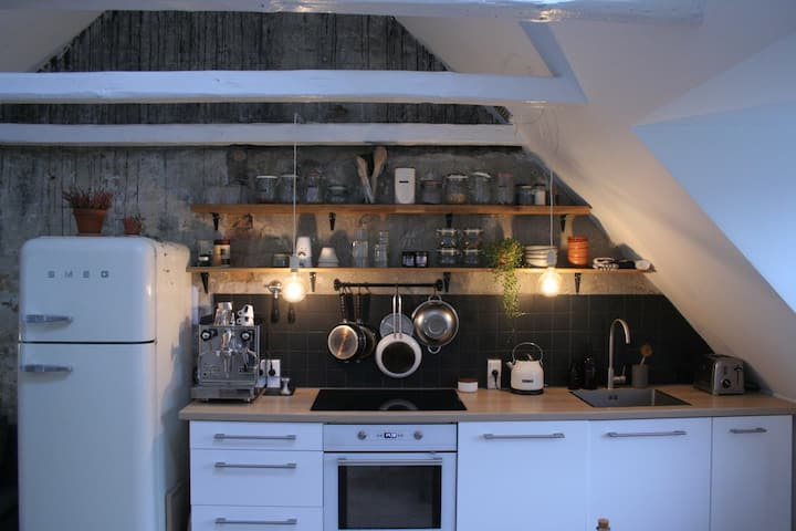 Bright studio flat with bed loft