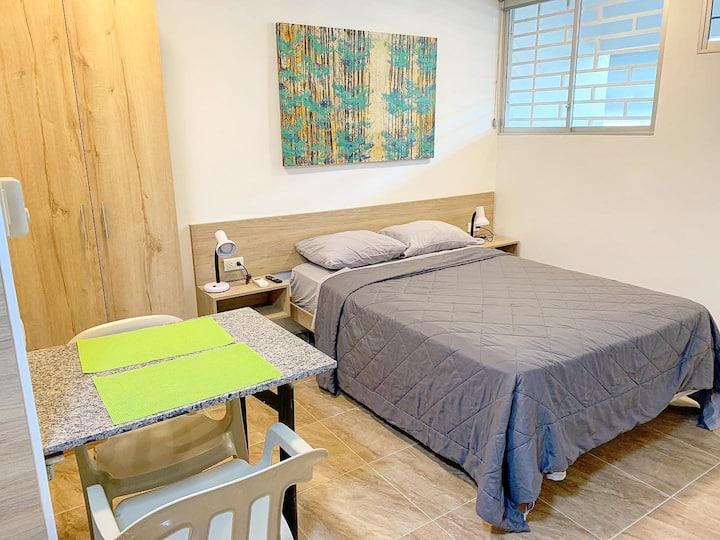 ⭐️Comoda nueva suite con wifi & A/C muy centrico