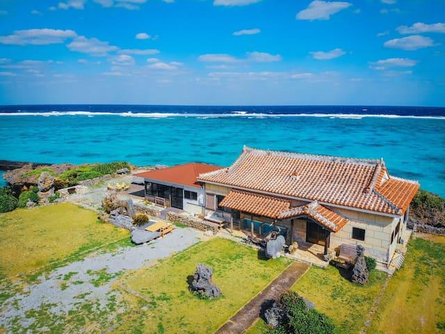 「Shima Hotel」秘境の島の隠れ宿で、島に溶け込む滞在を。